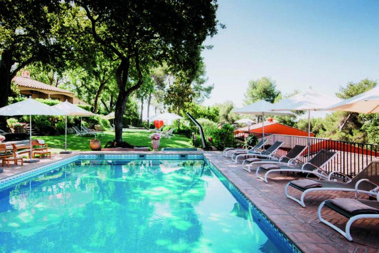 l'Hôtel Restaurant & Spa Le Cantemerle – Un domaine de charme au cœur de la nature